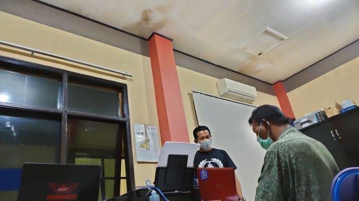 Pria Tak Dikenal Tabrak Gerbang Polresta Tasikmalaya, Saat Akan Ditangkap Teriak 'Besok Kiamat'