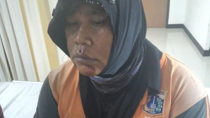 Seorang wanita petugas PPSU Kelurahan Sukapura, Sudriyah (40), menjadi korban penjambretan.
