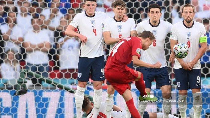 Tak Cuma Penalti Buat Inggris, Freekick Denmark Juga Kontroversial, Seharusnya Batal Seusai Aturan