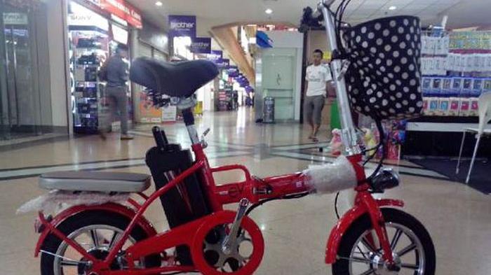 Sepeda Listrik Lipat Harga Termurah Juga Mejeng Di Iims 2016 Tribunnews Com Mobile