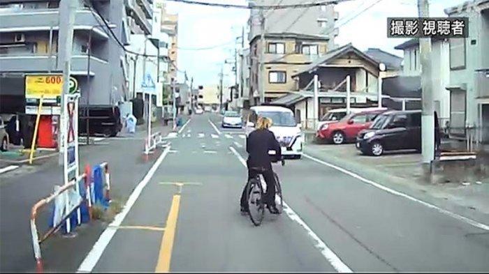 Bersepeda zig-zag (aori unten) pertama di tangkap di Jepang pelanggaran UU Aori Unten yang diberlakukan sejak Juni 2020.