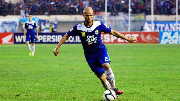 Sergio van Dijk saat berseragam Persib Bandung.