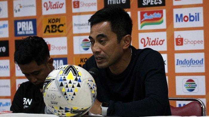 Pelatih PSS Sleman, Seto Nurdiantoro. Seto mengatakan PSS Sleman mewaspadai tren positif Persipura.
