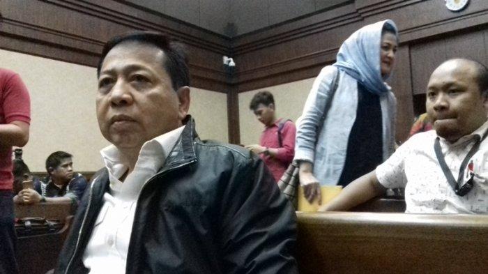 Setya Novanto dan istri di Pengadilan Tipikor Jakarta