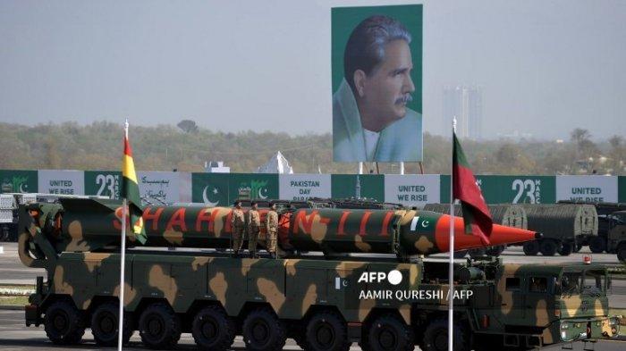 Pakistan Berhasil Uji Rudal Jarak Menengah dengan Jangkauan 2.750 Kilometer
