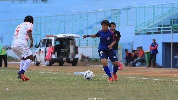 Sheva Imut saat membela Arema FC Putri di Liga 1 2019.