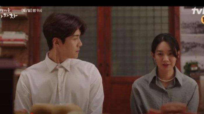 PREVIEW Hometown Cha-Cha-Cha Episode 10, Hye Jin Nyatakan Perasaannya pada Kepala Hong?