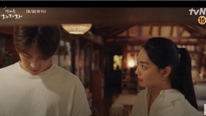 PREVIEW Hometown Cha-Cha-Cha Episode 7, Kepala Hong Terbakar Cemburu?