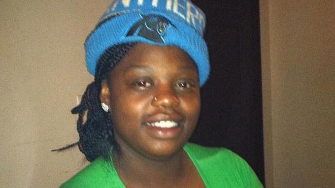 Gabriel Alexis Henderson (25) sedang berada di rumahnya bersama kelima anaknya ketika insiden penembakan terjadi.
