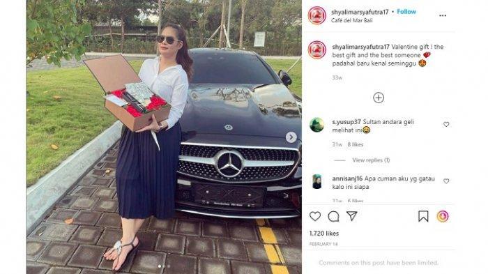 Shyalimar Malik mendapat hadiah mewah dari seseorang saat Hari Valentine, 14 Februari 2021.