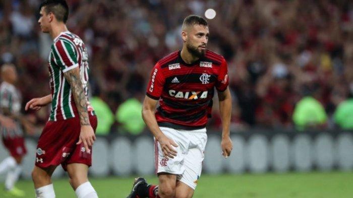 Siapa Sosok Leo Duarte, Bek Tengah Baru AC Milan, hingga Disebut Penerus Thiago Silva