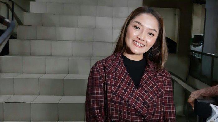 Siti Badriah yang ditemui disela-sela acara 'Nagas Ange7s' di Tamini Square, Pinang Ranti, Jakarta Timur, Kamis (13/2/2020).