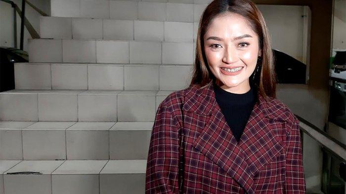Bebas dari Pertanyaan Kapan Nikah, Kini Siti Badriah Deg-degan Ditanya Kapan Punya Anak