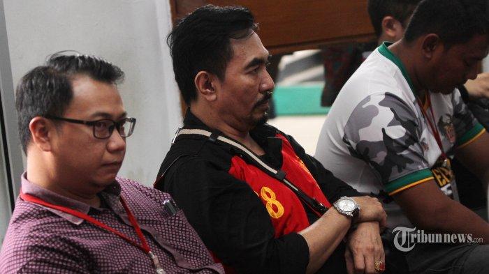 Terbukti Bujuk Anak Bersetubuh, Gatot Brajamusti Divonis 9 Tahun Penjara