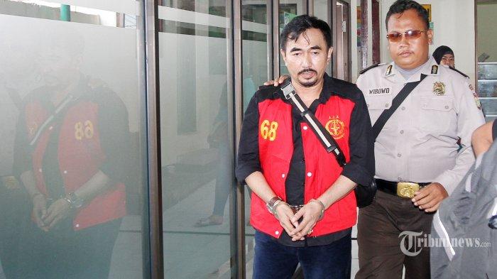 Sempat Tersandung Kasus Bersama Reza Artamevia & Elma Theana, Gatot Brajamusti Dikabarkan Meninggal