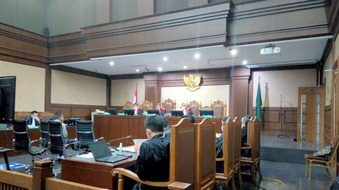 Sidang Kasus Suap Bansos Covid-19: Hakim Cecar Saksi Soal Rapat yang Dihadiri Juliari Batubara