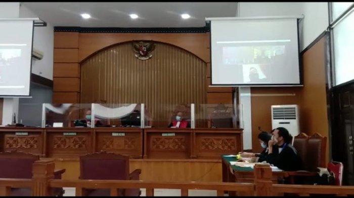 sidang Jumhur Hidayat