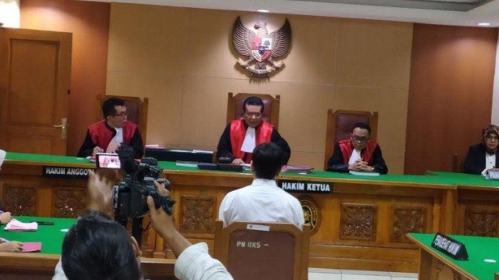 Rio Reifan jalani sidang vonis kasus narkoba di PN Bekasi, Senin (10/2/2020).