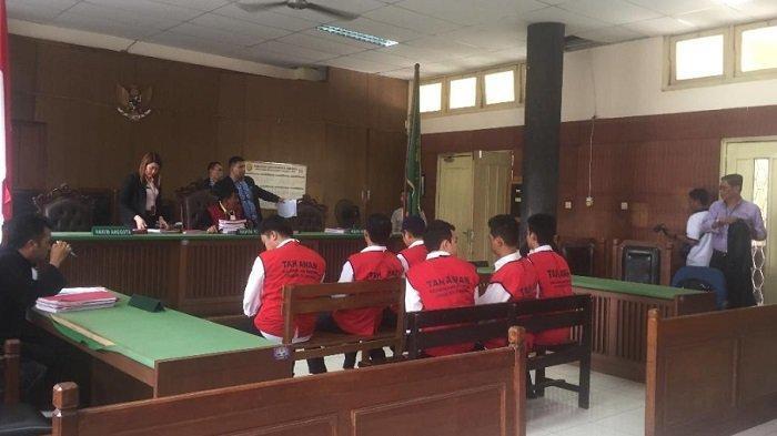 Sidang pembacaan tuntutan terhadap Zul 'Zivilia', di Pengadilan Negeri Jakarta Utara kembali ditunda pada Senin (11/11/2019).