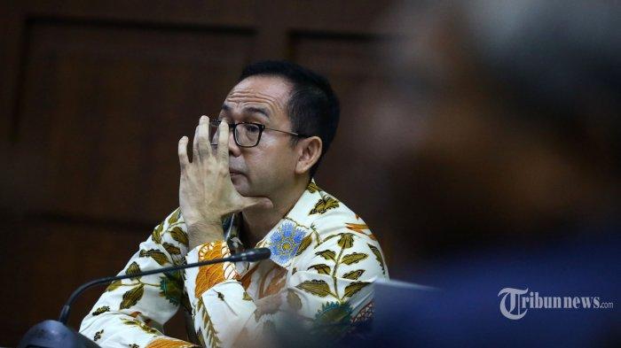 Terdakwa kasus tindak pidana pencucian uang dan korupsi Tubagus Chaeri Wardana alias Wawan menjalani sidang lanjutan di Pengadilan Tipikor, Jakarta, Senin (20/1/2020). Sidang tersebut beragendakan pemeriksaan saksi yang dihadirkan Jaksa Penuntut Umum KPK. TRIBUNNEWS/IRWAN RISMAWAN