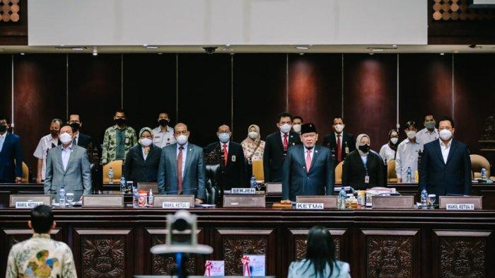 Sidang Paripurna DPD RI Sahkan Keanggotaan Pansus Guru Honorer dan Setujui Hasil Timja PPHN