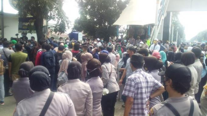 Tim Hukum Rizieq Tak Bisa Masuk Pengadilan, Neno Warisman: Ini Mencederai Demokrasi