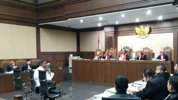 Dua Orang Ahli Hukum Pidana Bersaksi di Sidang Sofyan Basir