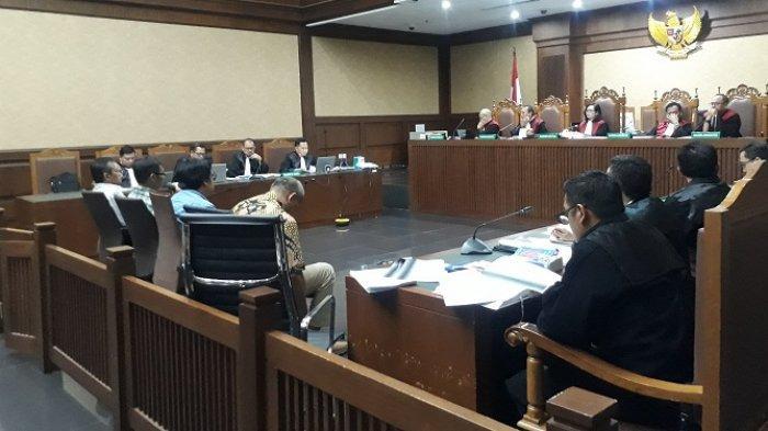 Majelis Hakim Pengadilan Tindak Pidana Korupsi Jakarta menggelar sidang suap terhadap R Iswahyu Widodo dan Irwan, dua hakim Pengadilan Negeri (PN) Jakarta Selatan