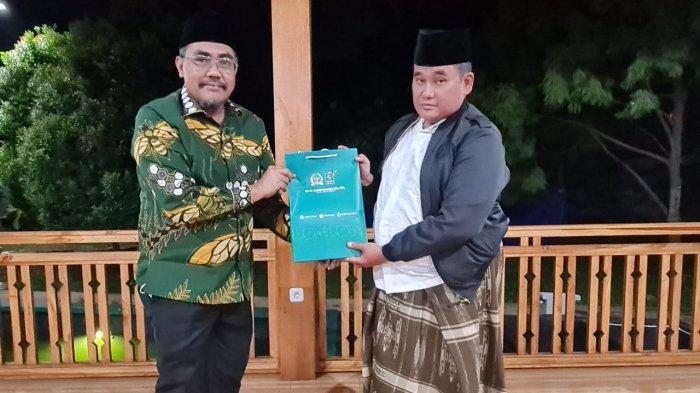 Silaturahim ke Kiai Lukman Hakim, Gus Jazil Diminta Rangkul Para Habaib Majukan NU DKI