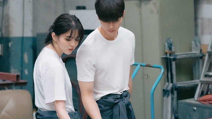 SPOILER Nevertheless Episode 6: Bit-Na dan Kyu-Hyun Makin Dekat, Jae-Eon Susul Na-bi Liburan