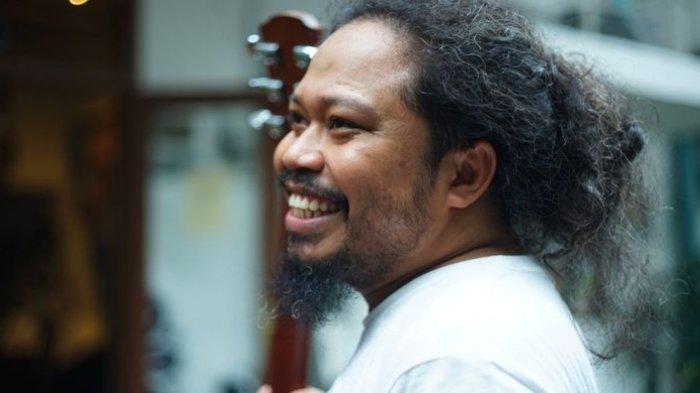 Chord Gitar Di Seberang Sana - Pusakata, Kunci Mudah Dimainkan dari Am