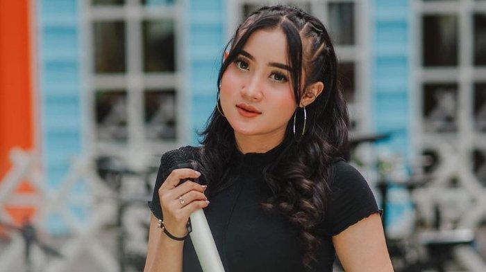 PROFIL Yeni Inka, Pedangdut Asal Blora yang Dijuluki Ratu Ambyar Indonesia