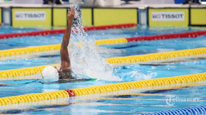 Atlet renang Indonesia I Gede Siman Sudartawa saat beraksi pada final untuk kategori Mens 50m Backstore di Aquatik, Senayan, Jakarta Pusat, Senin (20/8/2018). Tribunnews/Jeprima