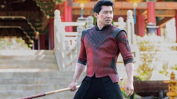 Cuplikan adegan Simu Liu yang berperan sebagai Shang Chi dalam film 'Shang-Chi and The Legend of The Ten Rings'