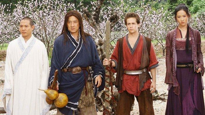 Sinopsis The Forbidden Kingdom: Aksi Tandem Jackie Chan dan Jet Li Merebutkan Tongkat Emas
