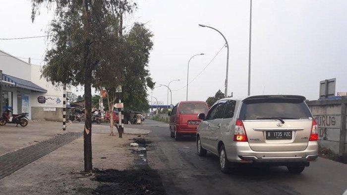 Mobil Terbakar di Cimanggis, Satu Keluarga Nyaris Jadi Korban