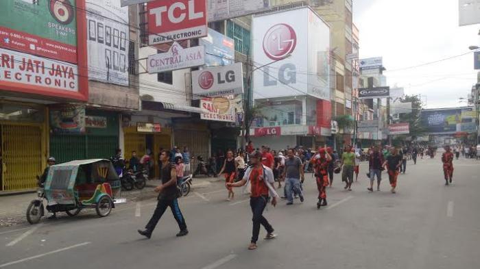 Massa Pemuda Pancasila Sisir Jalan Asia Cari Pelaku Penyerangan