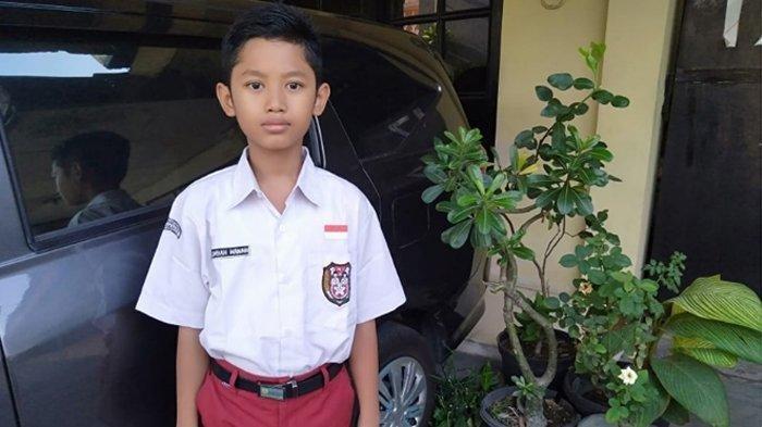 Siswa kelas 4 SDN 56 Bromantakan Surakarta ini lebih dulu punya nama Lembah Manah, dari cucu Jokowi.