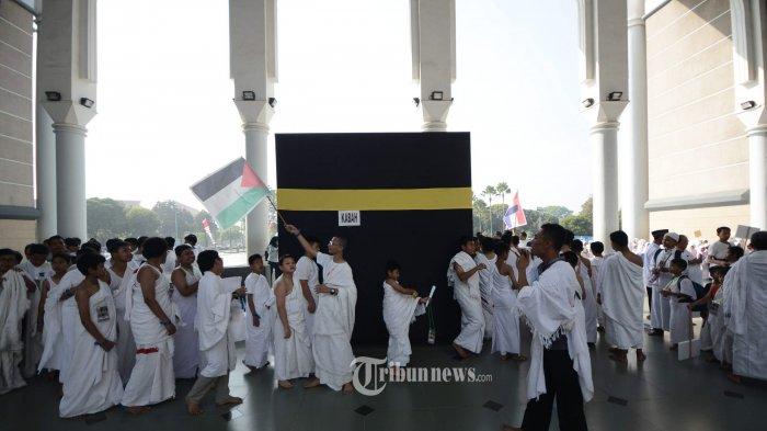 Kemenag Tetap Bagikan Buku Manasik Haji Meski Menteri Agama Batalkan Keberangkatan Jemaah Tahun Ini