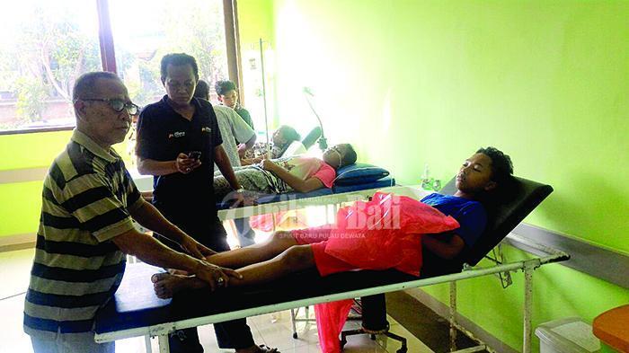 Ratusan Siswa SD Keracunan Usai Makan Nasi Bungkus di Acara Perpisahan