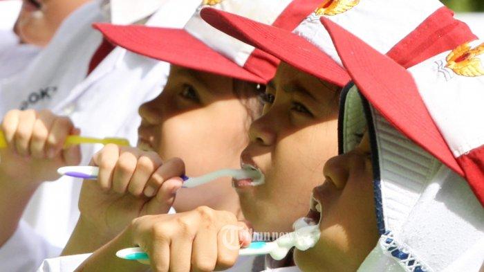 Jangan Sampai Anak-anak Pakai Pasta Gigi Berlebihan, Ini Dampak Buruknya
