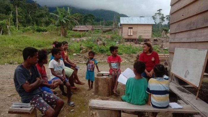 Cerita Anak-anak di Kaki Gunung Von Belajar di Sekolah Rimba, Mereka Kesulitan Berbahasa Indonesia