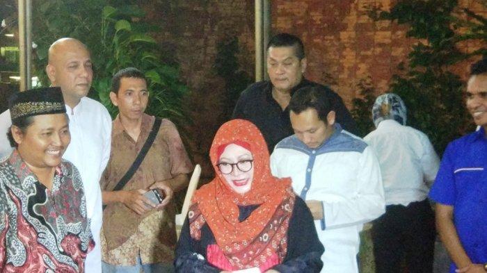 Ketika Tutut Soeharto Malu Difoto Awak Media