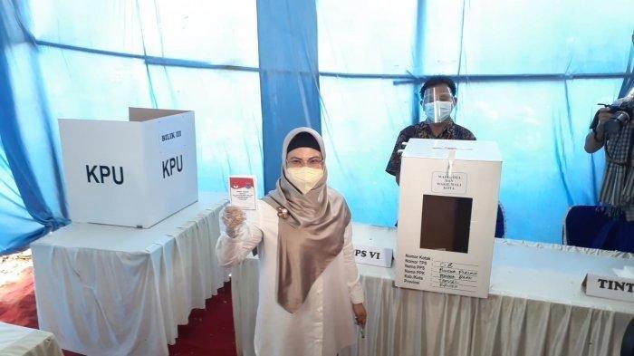 Hasil Pilkada Kota Tangsel, Pasangan Siti Nur Azizah-Ruhamaben Menang di TPS Tempat Mencoblos