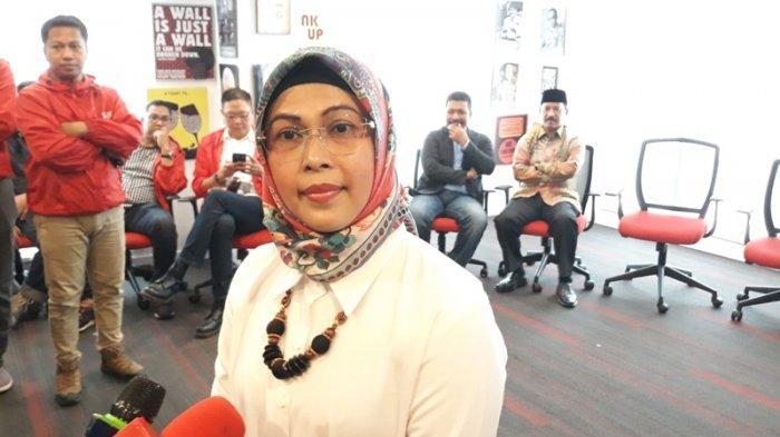 ?Putri Wakil Presiden Ma'ruf Amin, Siti Nur Azizah usai mengikuti seleksi terbuka untuk menjaring calon Wali Kota/Wakil Wali Kota Tangerang Selatan di kantor DPP PSI, Jakarta, Sabtu (18/1/2020).