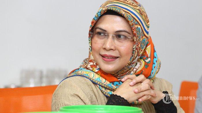 Putri Wakil Presiden Kiai Maruf Amin, Siti Nur Azizah saat berkunjung ke Redaksi Warta Kota di Palmerah Barat, Jakarta Pusat, Jumat (22/11/2019).