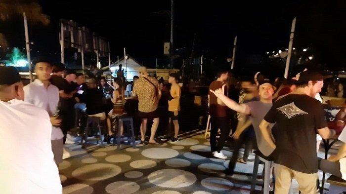 Situasi di restoran Old Man's Canggu saat adanya kerumunan WNA, Rabu (10/6/2020).