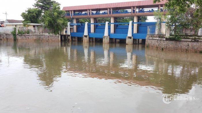 Waspada Banjir, Sabtu 1 Mei Pagi  Tinggi Muka Air Dua Pintu Air di Jakarta Utara Siaga 2
