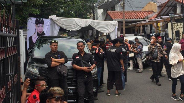Situasi Terkini Kediaman Ahmad Dhani Jelang Kedatangan Suami Mulan Jameela Dari LP Cipinang