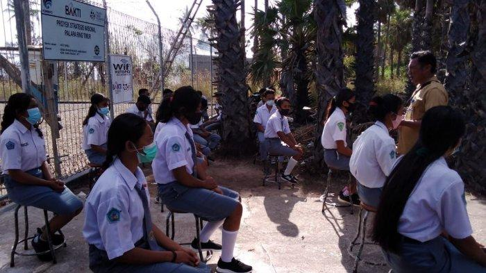 SMK 2 Negeri Sabu Barat Terpaksa Ujian Sekolah di Luar Kelas